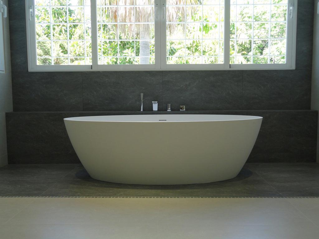 Bathroom design and installation - Guadalmina Baja