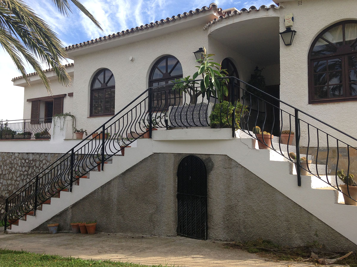 Villa for sale in Benalmadena Costa - Costa del Sol